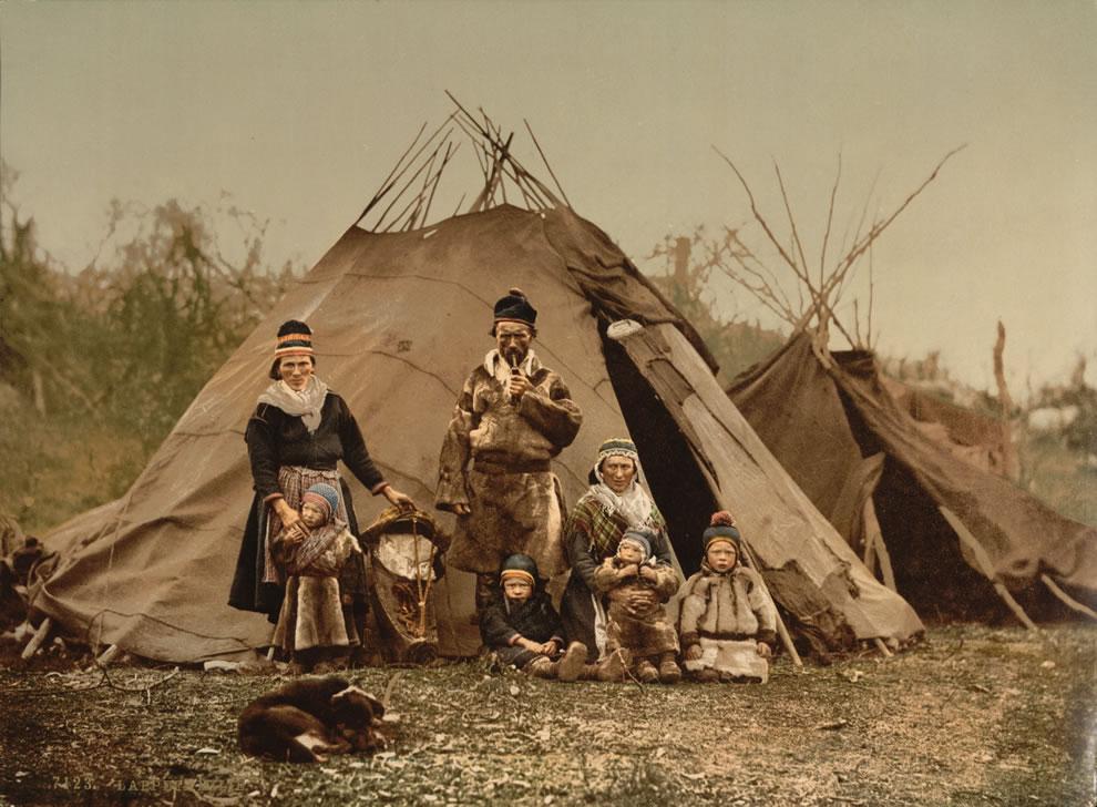 11. Норвежские жители Арктики в летний период. (1900 год).