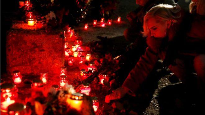 15. Цветы несут и к набережной города Сочи, где упал самолет.