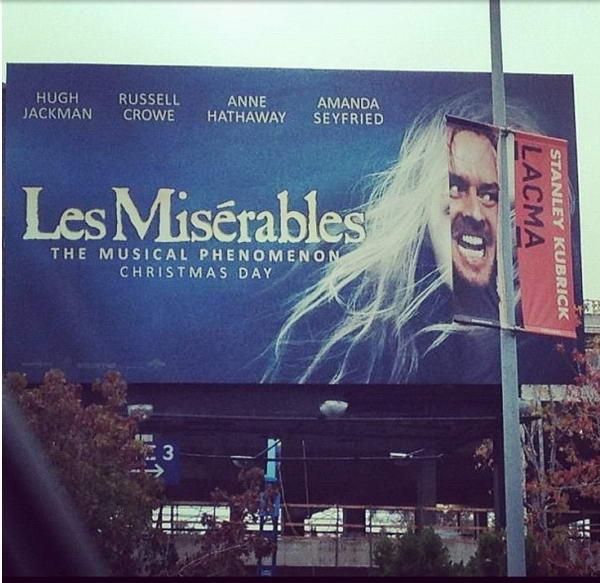 7. Реклама фильма Отверженные с очаровательной Амандой Сейфрид была испорчена Джеком Николсоном, а точнее кадром с его лицом из фильма «Сияние».
