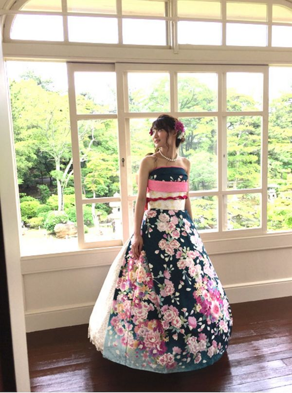 5. Кстати, завязывая рукава фурисодэ, чтобы сделать его похожим на свадебное платье, девушка вкладывает в это и символический смысл – что она больше недоступна для ухаживаний.