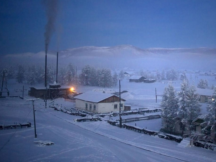 10. Угольная котельная согревает деревню, позволяя выжить в суровые холода.