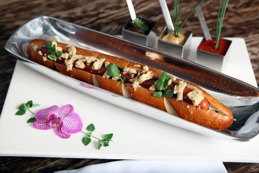 13. Serendipity Foot-long хот-дог - $ 69.