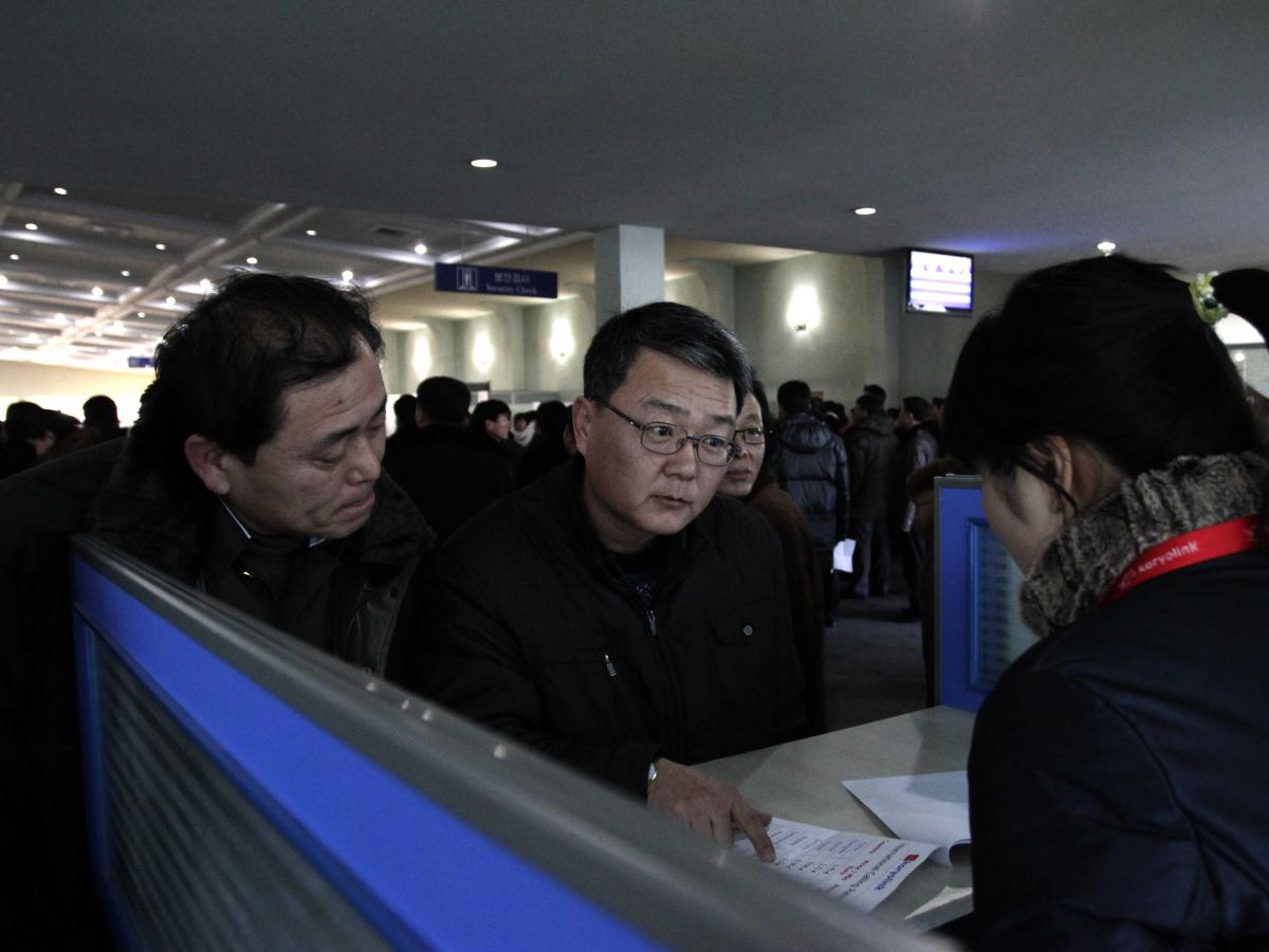 4. Северокорейцы не могут совершать международные звонки.