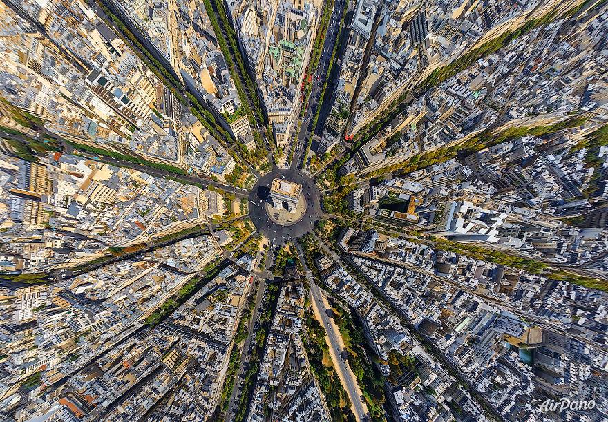 1. Париж, Франция.