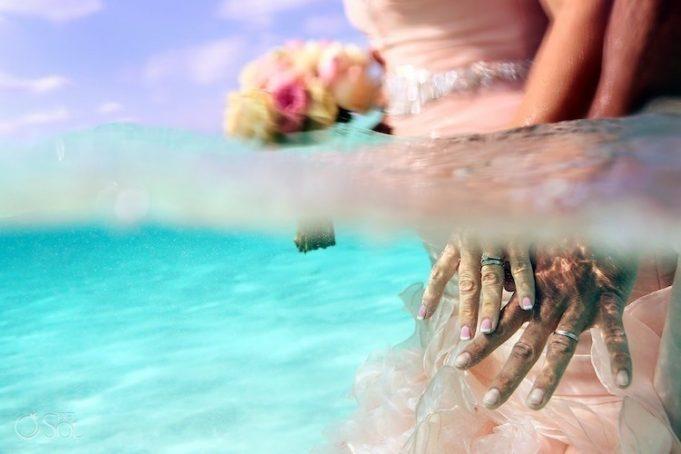 Свадьба, прошедшая прямо посреди моря