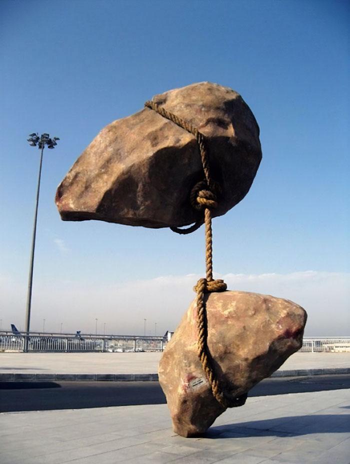 Скульптуры, которые ломают законы гравитации.