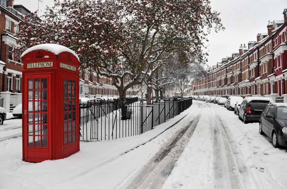 фото снег в лондоне внедорожник