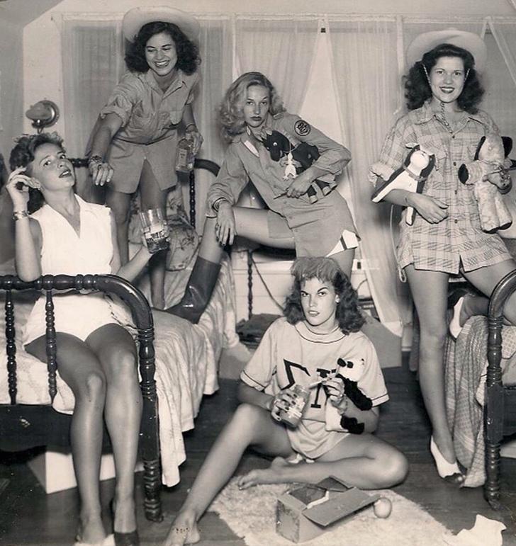 Назад в прошлое: девушки-бунтарки, которые нарушали запреты. Фото