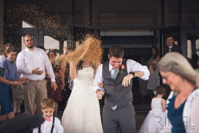 14 молодоженов, которые доказали, что идеальные свадьбы случаются только в кино