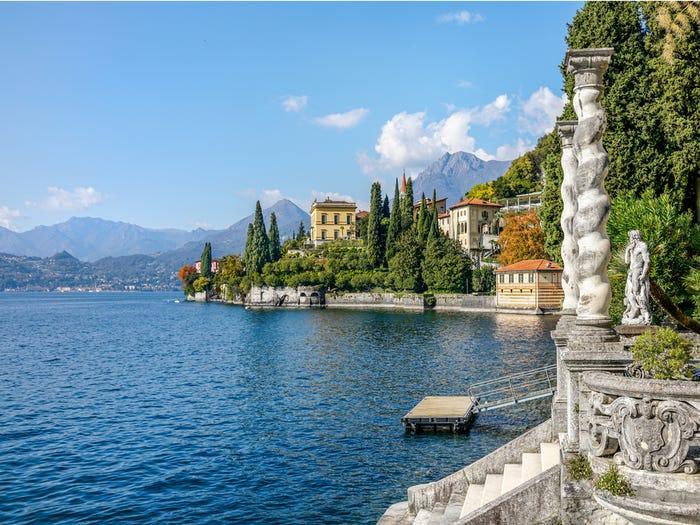 2. Озеро Комо, Италия.