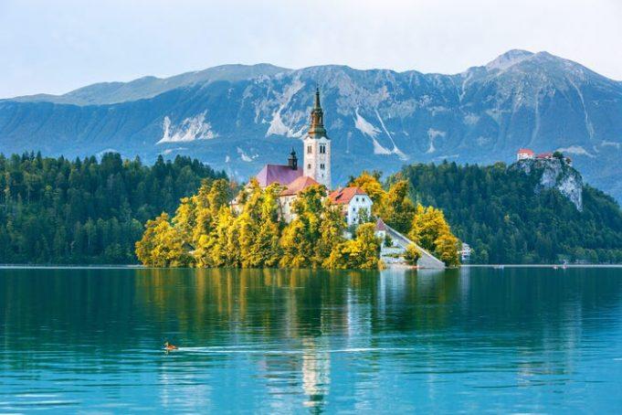15 потрясающих мест для посещения в 2020 году, прежде чем они заполнятся туристами