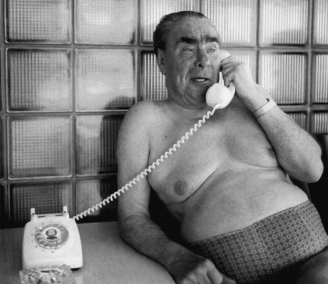 Леонид Брежнев в бане.