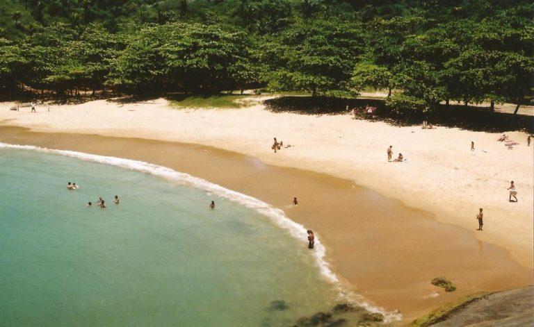 Радиоактивные пляжи Гуарапари