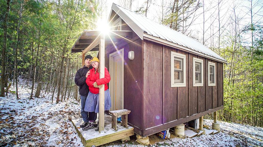 15. Мэтт и Лаура построили свой маленький домик в горах в Северной Каролине.