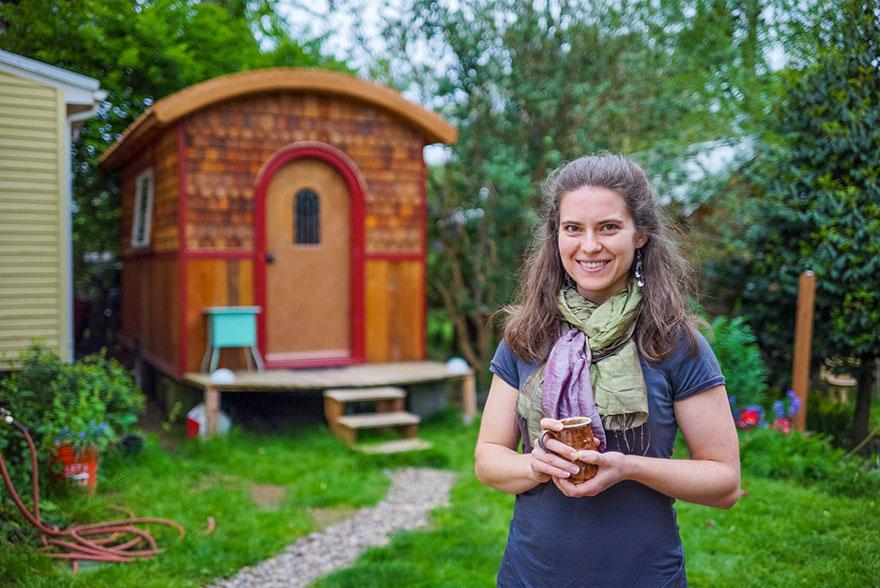 3. Лина из штата Орегон и ее крошечный, будто из сказки дом.