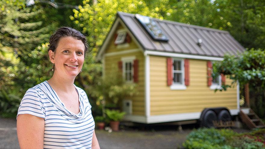 9. Такие дома на колесах не являются редкостью. Очаровательный дом Бриттани тоже может ездить. Главное выбирать живописные места для проживания.