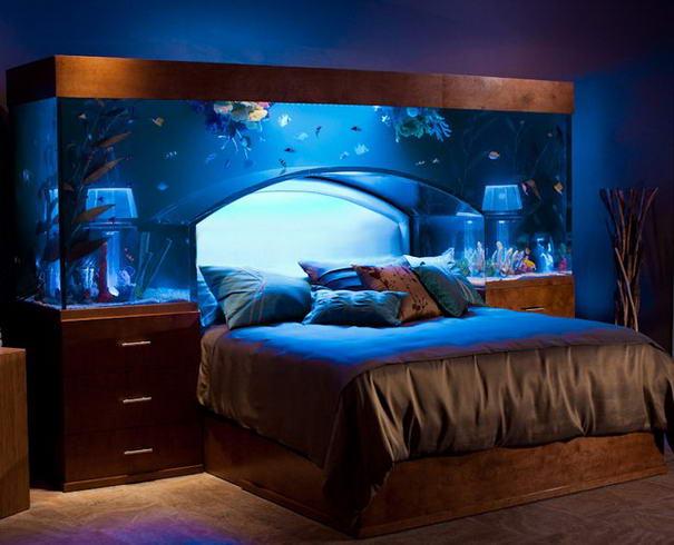 1. Изголовье – аквариум.