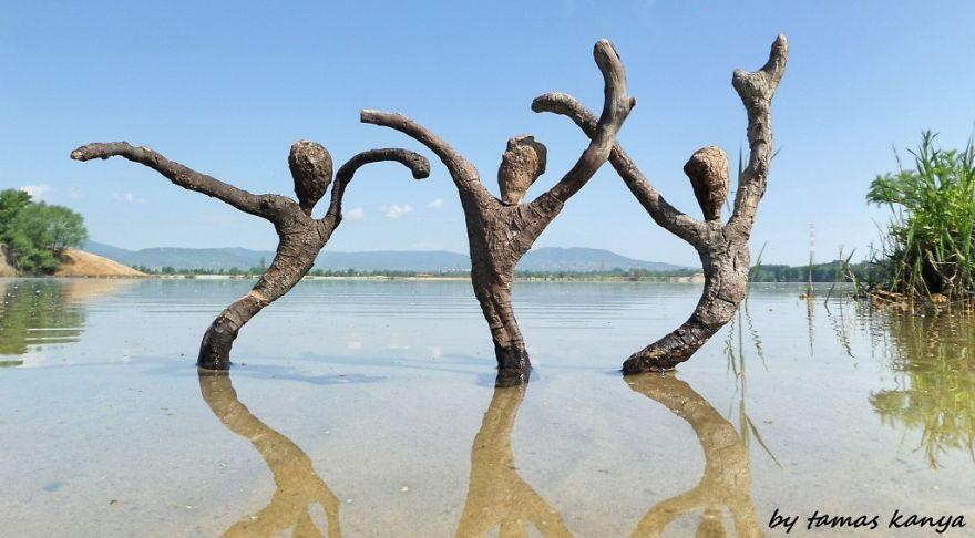 3. Танец на воде.