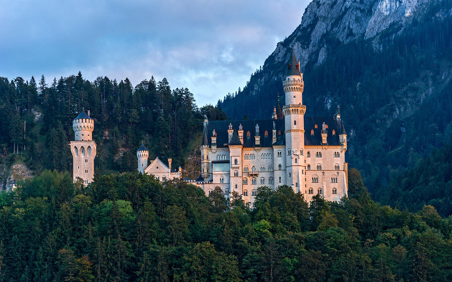 1. Золушка – замкок Нойшванштайн, Германия.