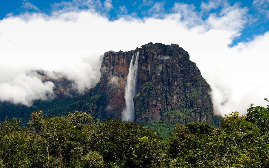 10. Вверх – водопад Анхель, Венесуэла.