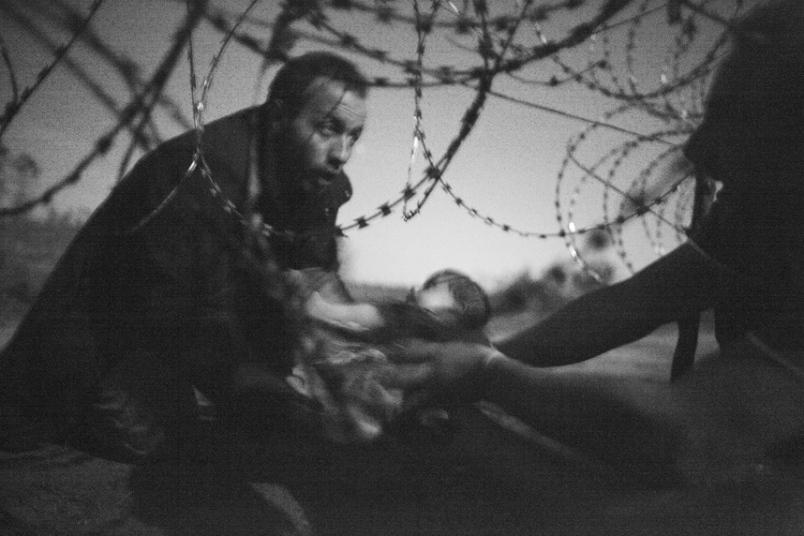 1. «Надежда на новую жизнь» фотографа Уоррена Ричардсона. Фото-победитель конкурса World Press Photo.