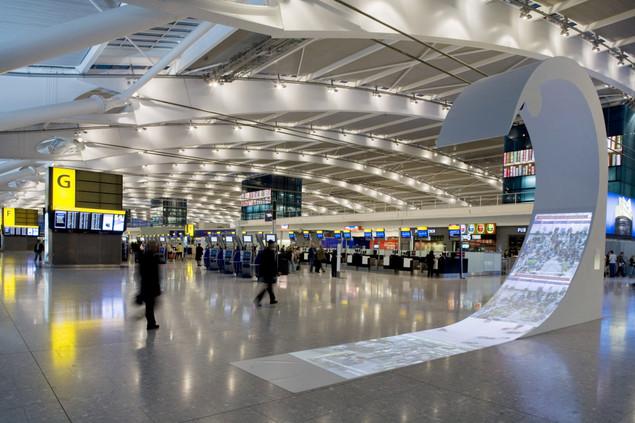 8. Аэропорт Хитроу, Лондон. Хитроу считается лучшим аэропортом для шопинга.