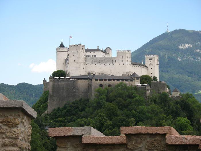3. Замок Хоэнзальцбург, Австрия.