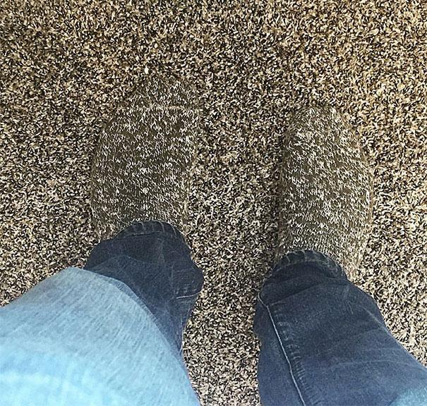 2. Носки, которые нельзя разглядеть.