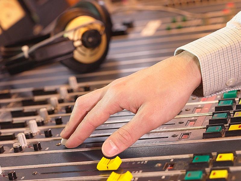 14. Всемирный день радио.