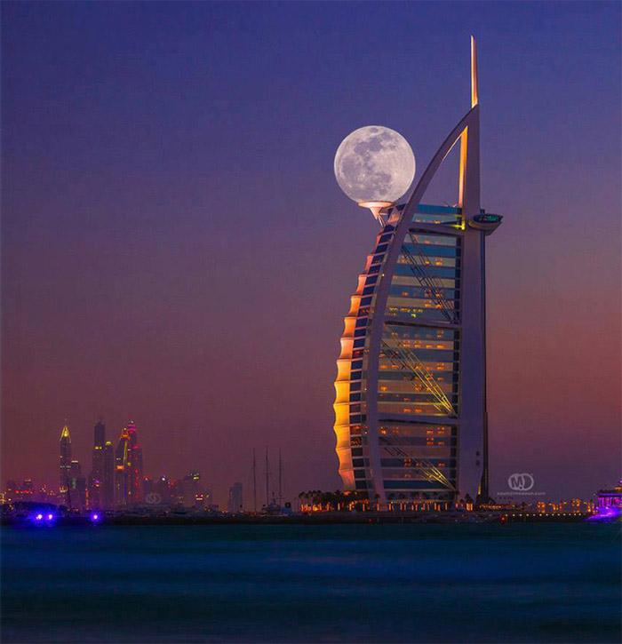 1. «Супер Луна» в Дубаи.