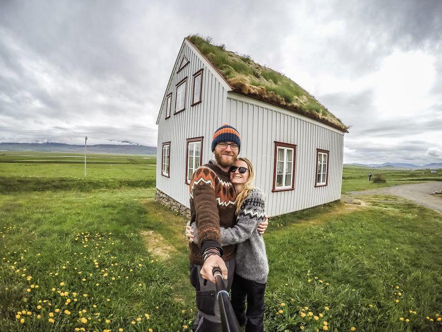 14. «Увидели этот удивительный исландский домик».