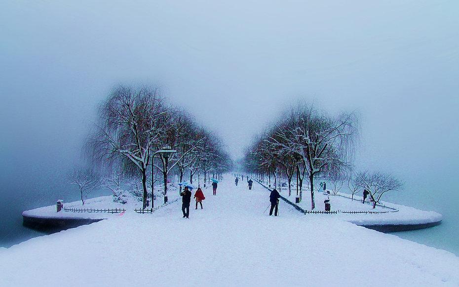 18. Снег.
