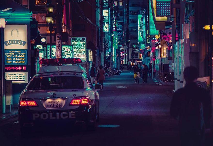 9. «Я был очарован разноцветными огнями города и продолжал снимать кадр за кадром».