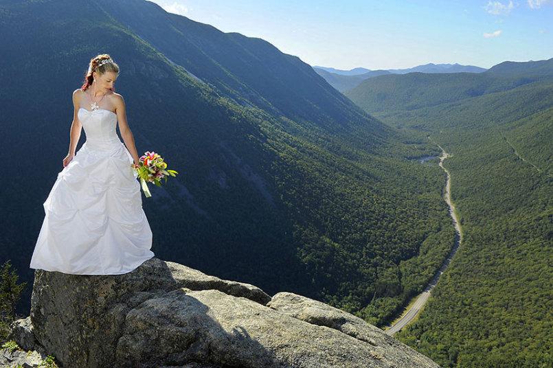 10. Свадебная фотосессия на скалах Нью-Гемпшира, США.