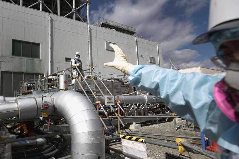 10. Работа над проектом «Ледяная стена». Проект по созданию 30-метровой стены льда для предотвращения поступления грунтовых вод в реакторы АЭС.