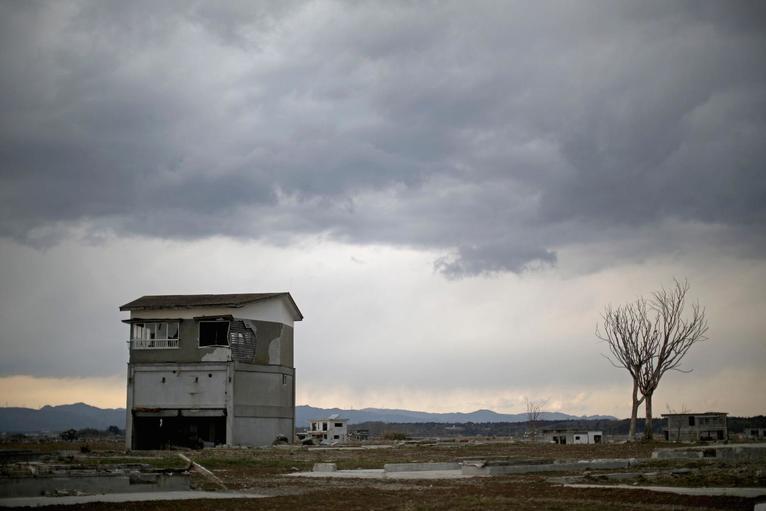 14. Одинокий дом на зараженной земле напоминает о страшной трагедии.