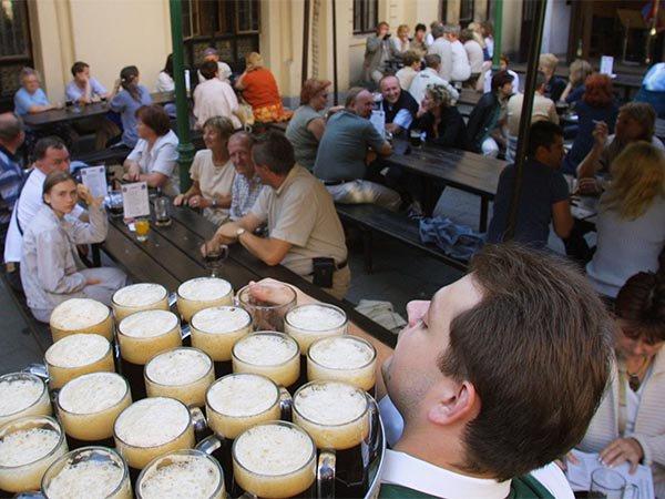 10. Полторы бутылки пива в Чехии.