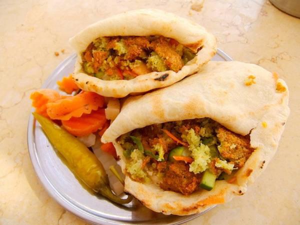 16. Фалафель или питу с начинкой в Каире.