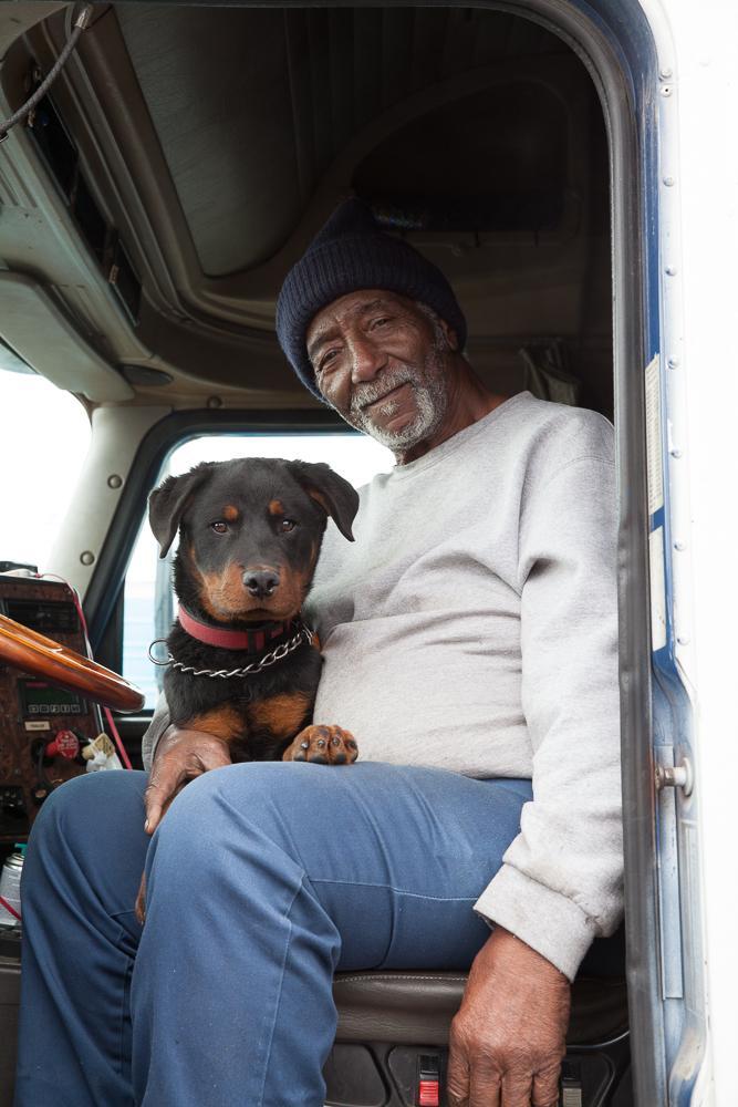16. 75-летний Эдди Эдвардс уже 55 лет водит грузовик.