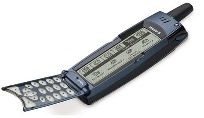 8. Ericsson R380.