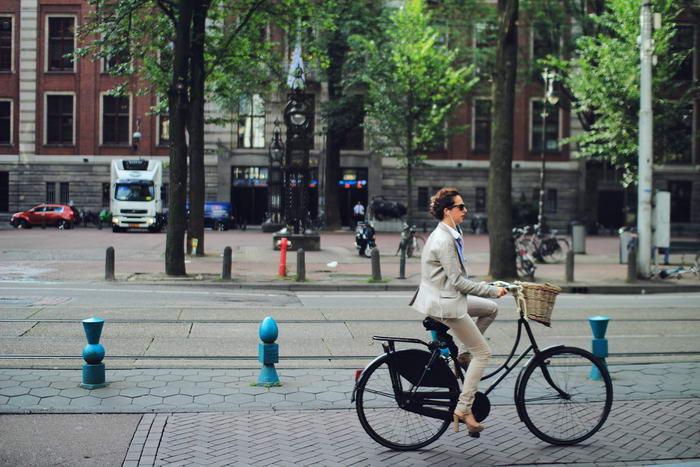 5. Ездите на работу на велосипеде.