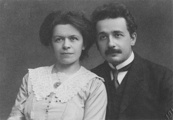 3. Лизерль Эйнштейн была первым ребенком Альберта и его первой жены Милевы Марич. Тем не менее о девочке нет никаких официальных записей, кроме писем между Эйнштейном и Марич. Предположительно ребенок родился с психическим расстройством.