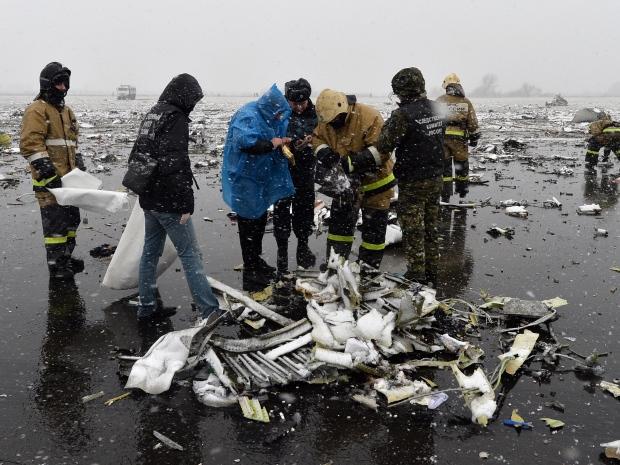 4. Потерпевший крушение лайнер предпринял две попытки приземления. Второй заход на полосу стал фатальным. Обломки самолета разбросала на большом расстоянии.
