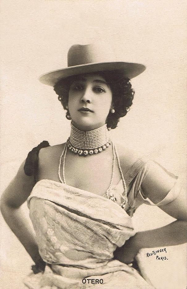 23. Каролина Отеро - французская певица и танцовщица испанского происхождения.