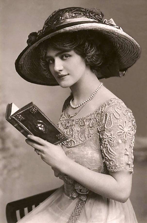 6. Лили Элси, английская актриса и певица.
