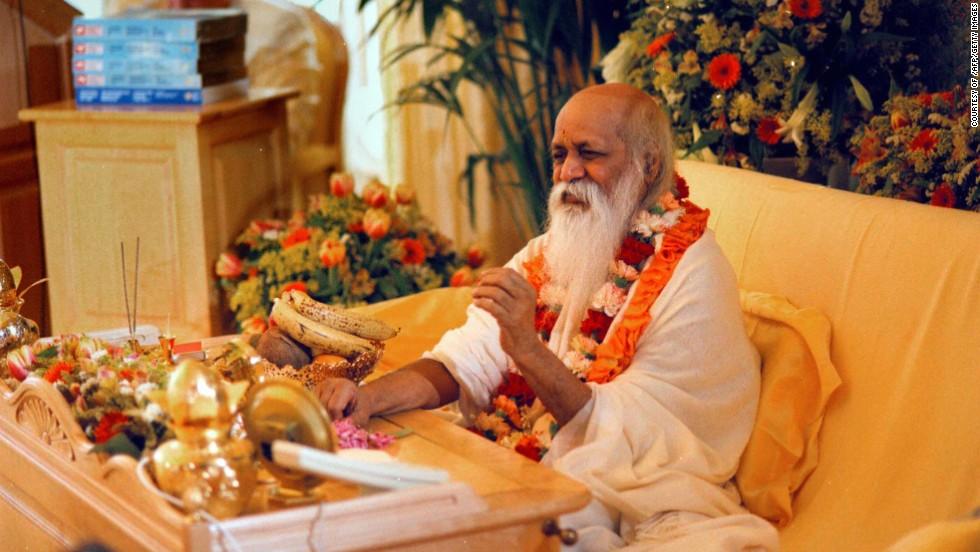 15. Индийский гуру Махариши Махеш Йоги также носил длинную бороду.