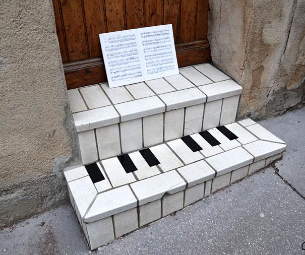 18. Ступеньки-пианино.