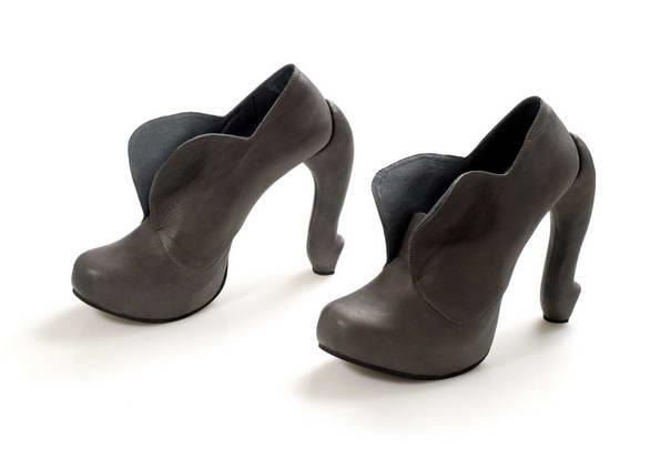 6. Тематика животных очень полюбилось Коби Леви. Это туфли – слон. Но несмотря на сравнение с огромным животным, туфельки очень изящные.