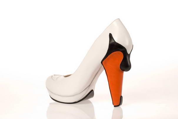 7. В туфлях «Лебедь» вы буквально воспарите.