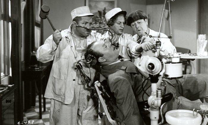 13. Лечение зубов всегда было актуально в комедийном жанре, особенно с развитием кинематографа.